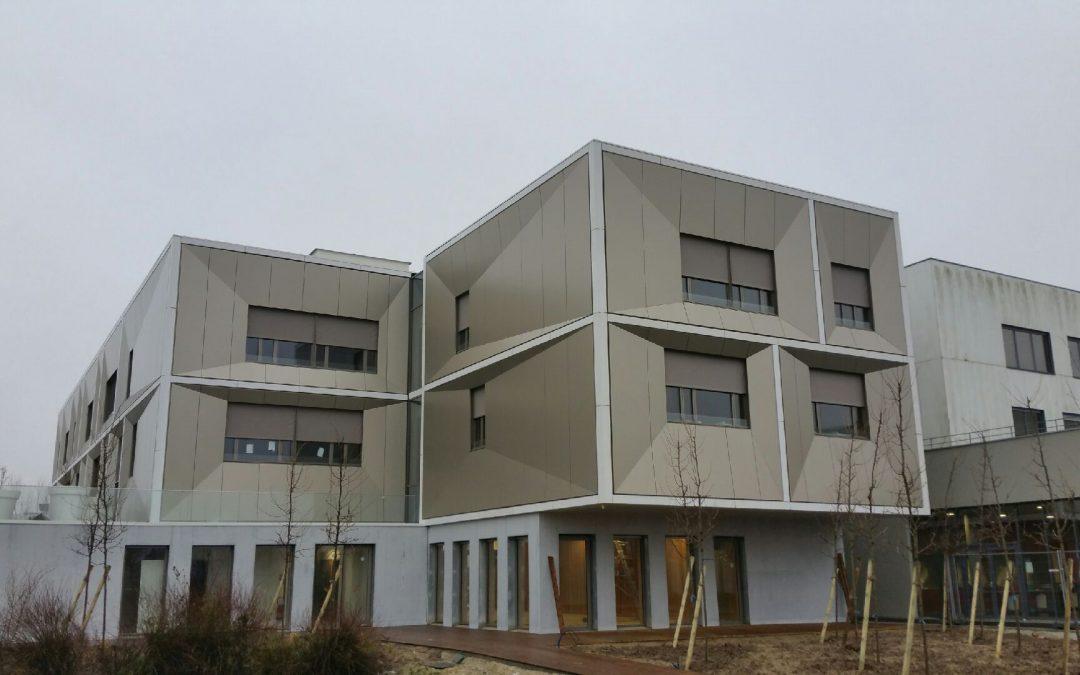 Stores extérieurs du Lycée hôtelier de Serris (77)