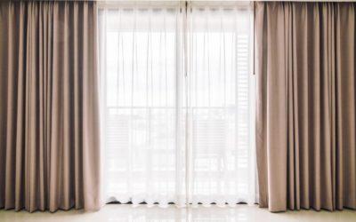 Insonoriser son appartement à moindre coût avec un rideau acoustique.