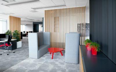 Les utilisations des rideaux phoniques pour créer un espace de détente calme et convivial