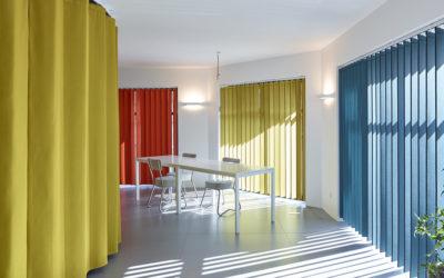Insonoriser son appartement à moindre coût avec un rideau phonique